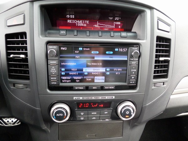 Pajero 3.2 DID AUTOMAAT 3-D INSTYLE